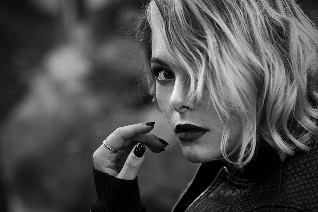Portrait Naa Doll Noir et blanc